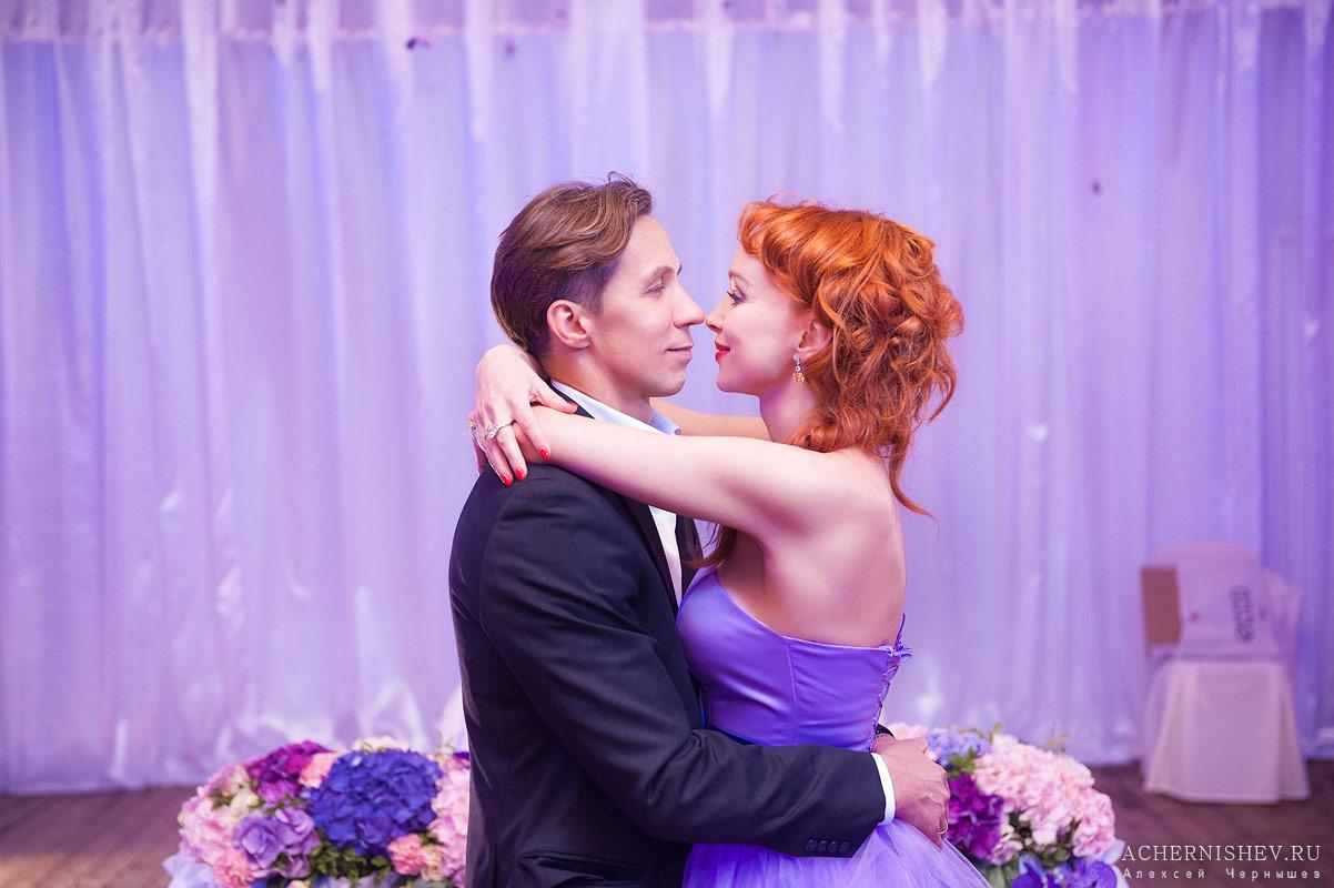 53-10-let-rozovaya-svadba