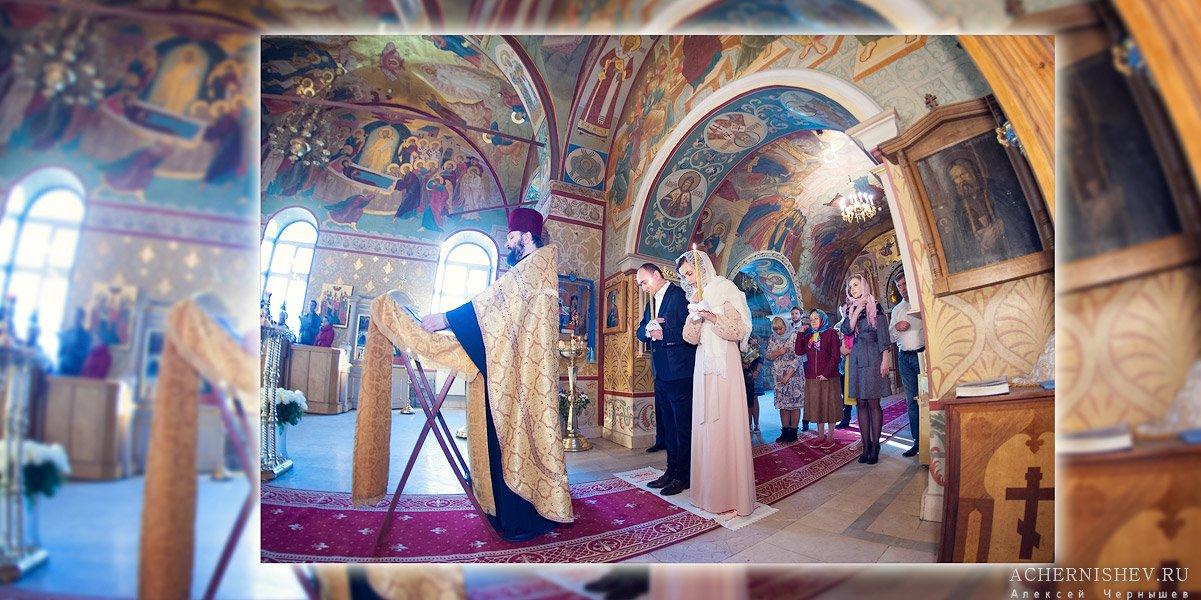 молитва перед иконостасом