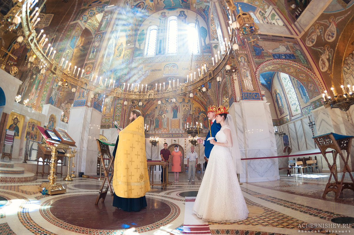 таинство венчания в Храме Покрова Пресвятой Богородицы