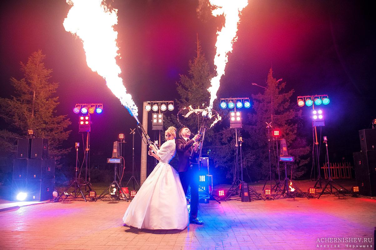 фаер шоу на свадьбе