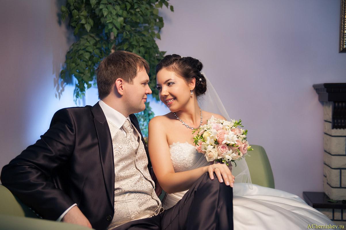 фотосессия перед торжественной регистрацией брака