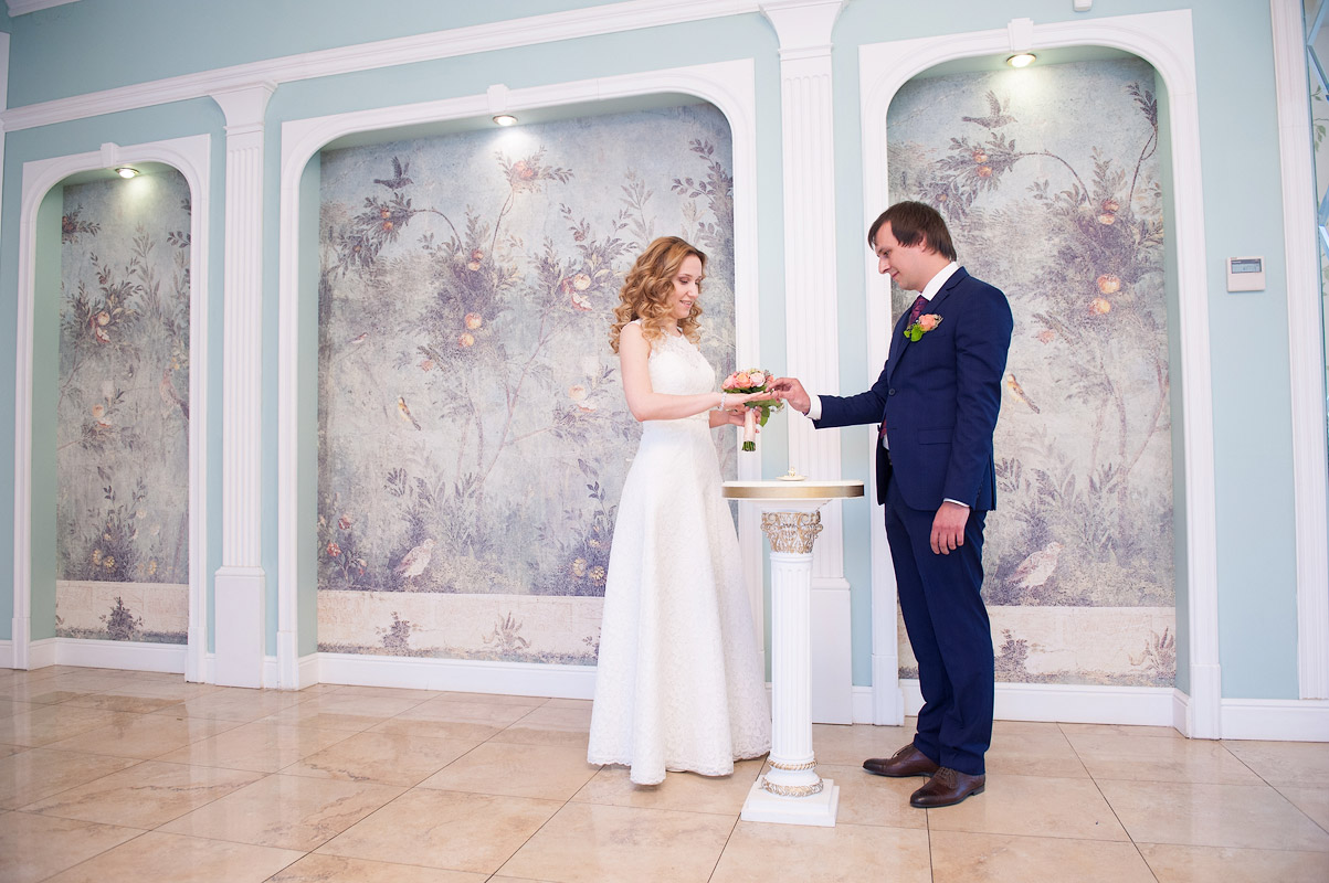 торжественная регистрация брака - обмен кольцами