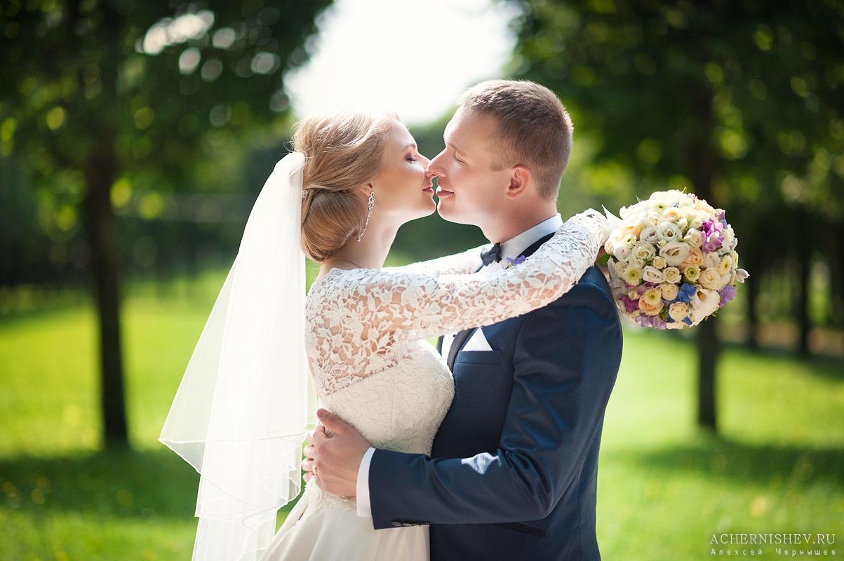 можете поцеловать невесту