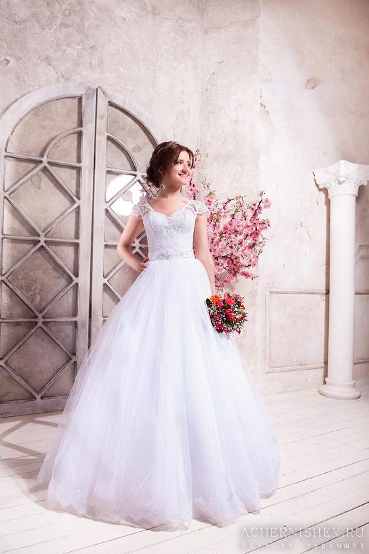 Студийное фото невесты