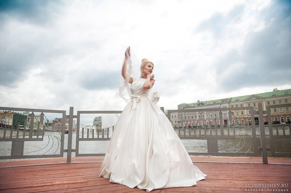 невеста на Болотной площади