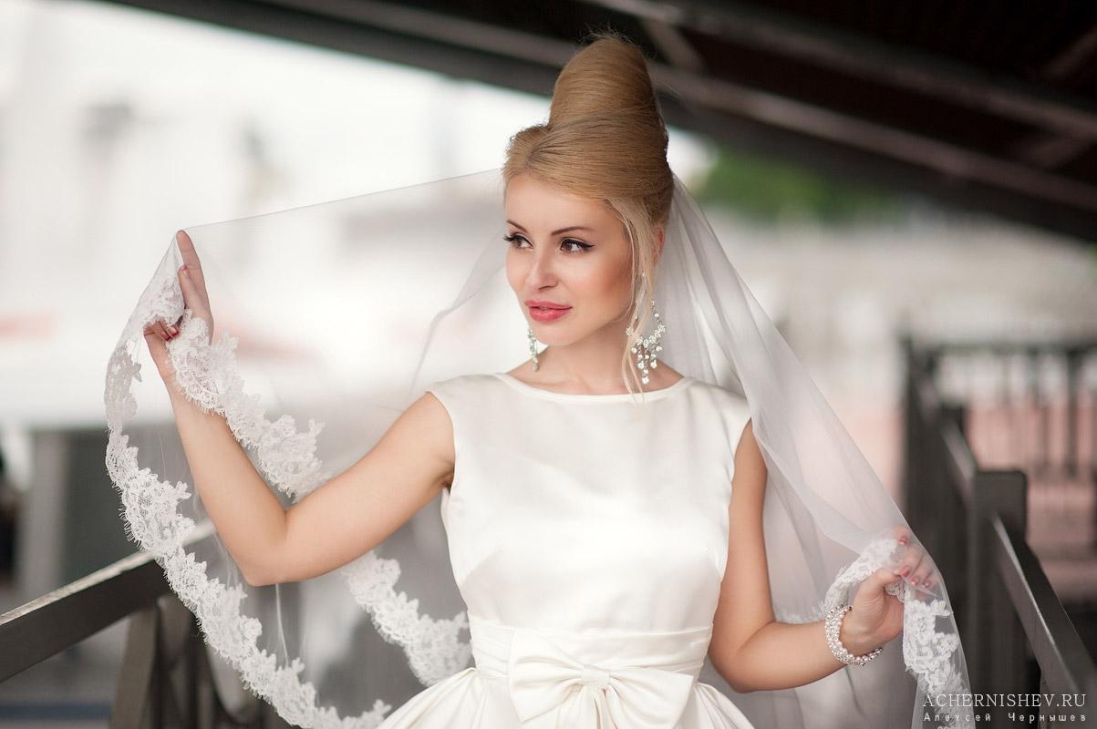 невеста с фатой