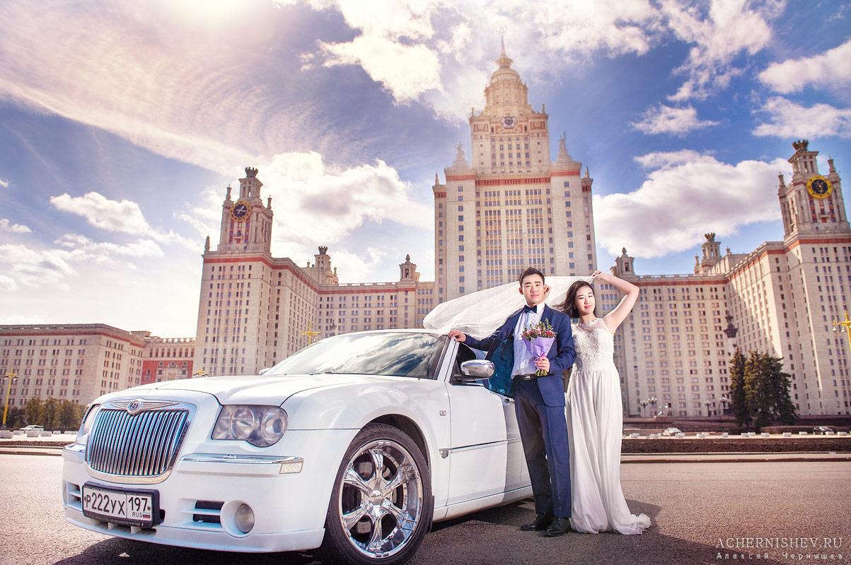 Свадебная машина у МГУ
