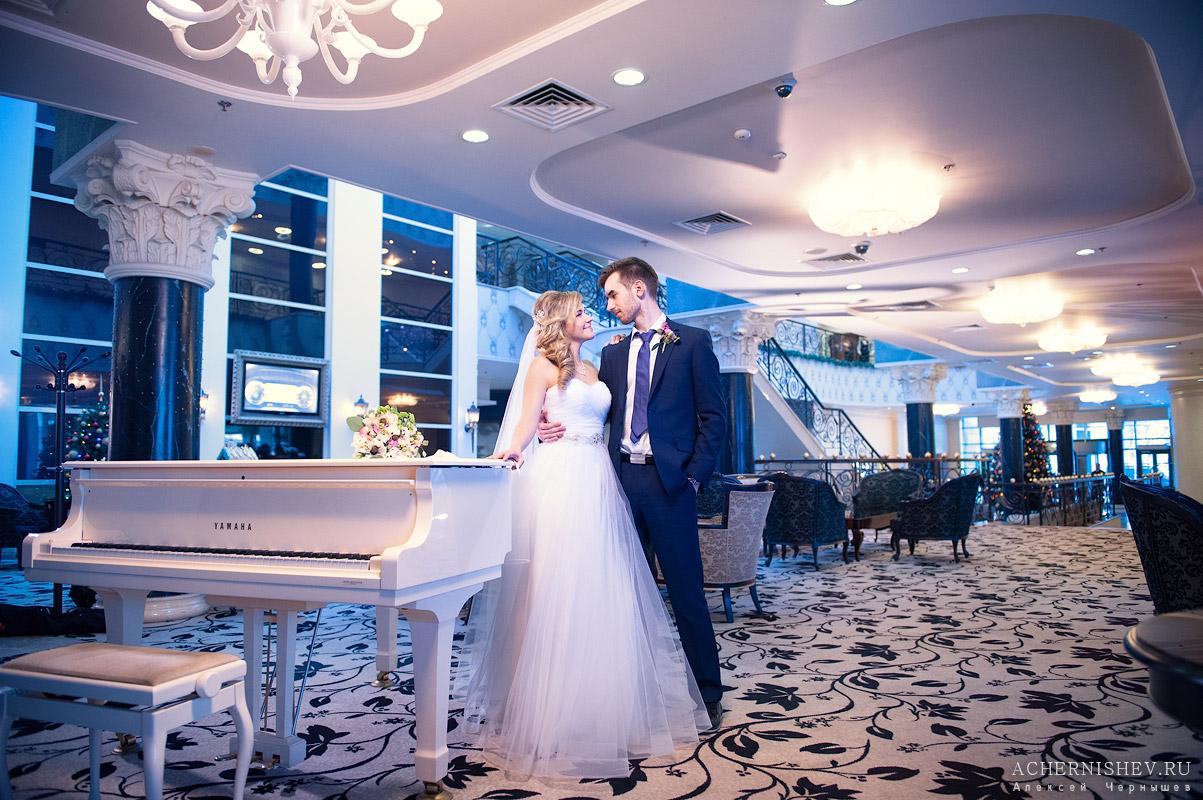 Отель для фотосессии свадьбы также подружилась