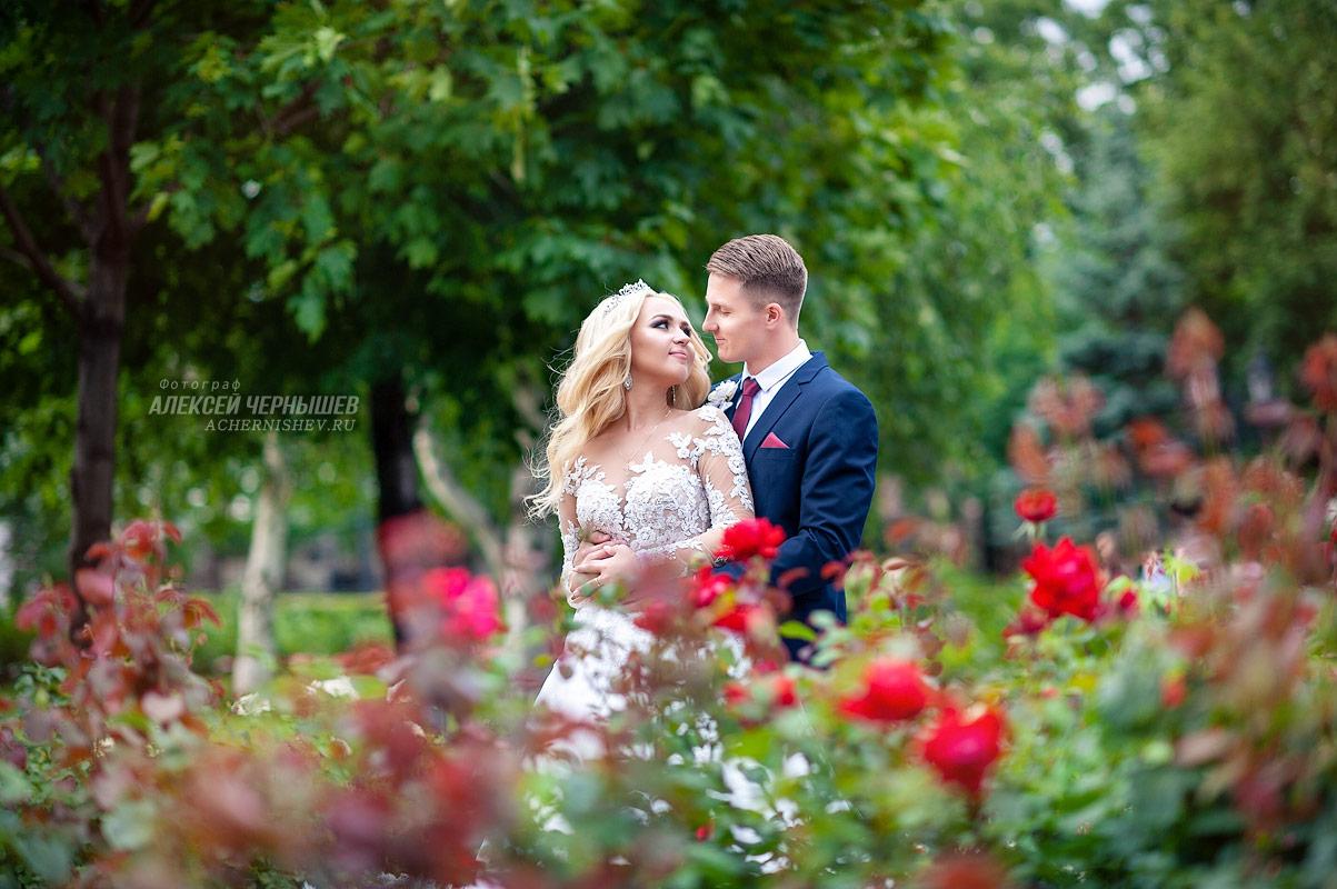 Невеста в розарии