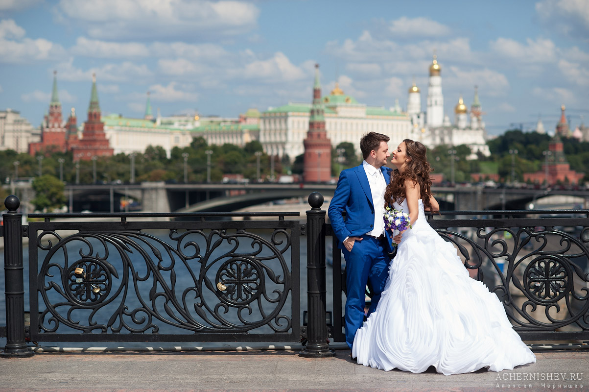 свадебная фотосессия у Храма Христа Спасителя фото