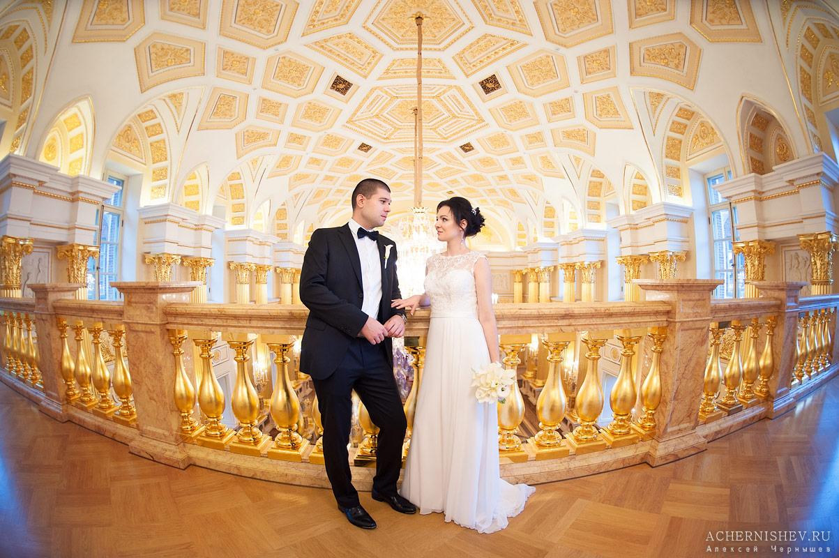 роскошный потолок Екатерининского зала