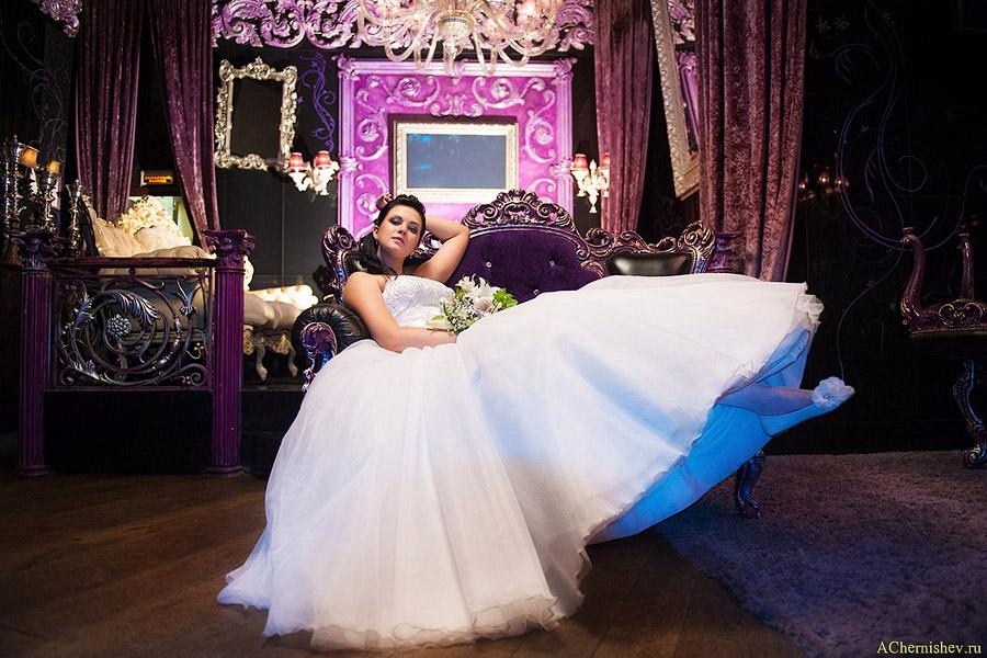 фотосессия невесты в интерьерах