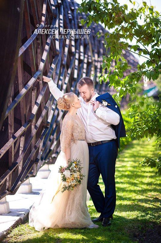 Фотосессия лав стори на свадьбе
