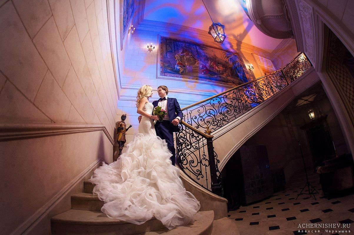 свадебное платье со шлейфом - фото