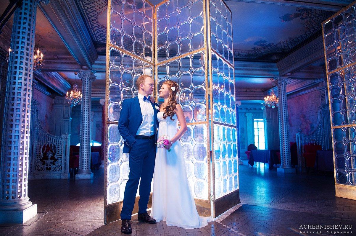 яркая свадебная фотография