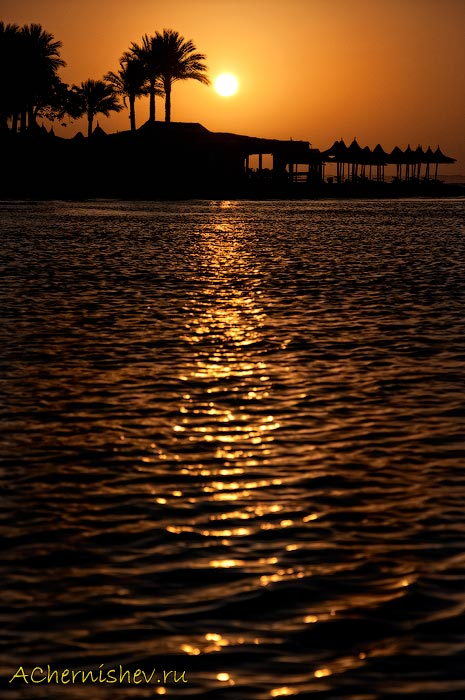 восход солнца в красном море