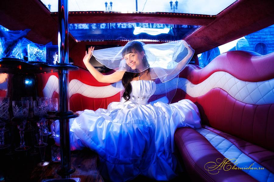 Свадебная фотосессия в лимузине