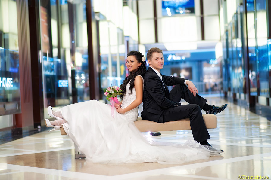 свадебный фотограф в торгово развлекательном комплексе Вегас