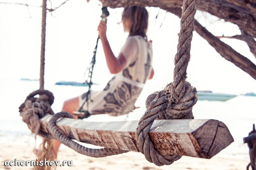 Качели на острове Ко Лан