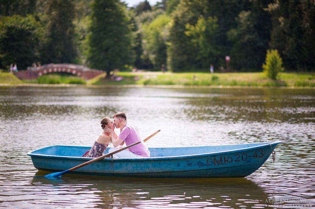 фото влюбленных на лодочке